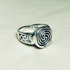 Jewelry - Sterling Silver Celtic Swirl Ring